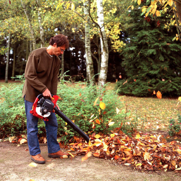 Honda-garden-machinery-grass-sales-da-forgie-northern-ireland-handhelds-leaf-blower-HHB-25-E-2