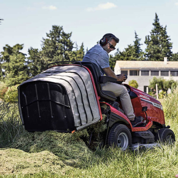 da-forgie-sales-northern-ireland-honda-lawn-garden-ride-on-mower-lawnmower-hf-range-1