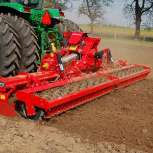 Kverneland-farm-da-forgie-northern-ireland-soil-power-harrow-foldable-ng-s-101-f35-4