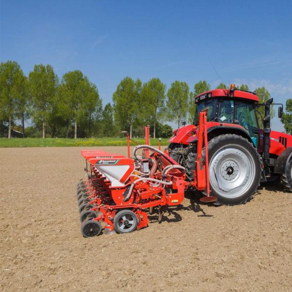 Kverneland-farm-sale-da-forgie-northern-ireland-seeding-precision-drills-optima-ph-10