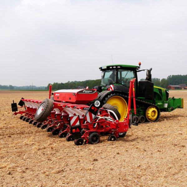 Kverneland-farm-sale-da-forgie-northern-ireland-seeding-precision-drills-optima-rs-2