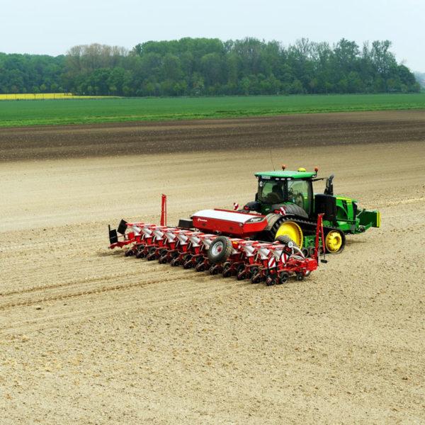 Kverneland-farm-sale-da-forgie-northern-ireland-seeding-precision-drills-optima-rs-5