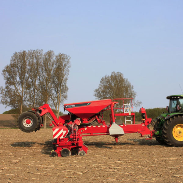 Kverneland-farm-sale-da-forgie-northern-ireland-seeding-precision-drills-optima-tfmaxi-1