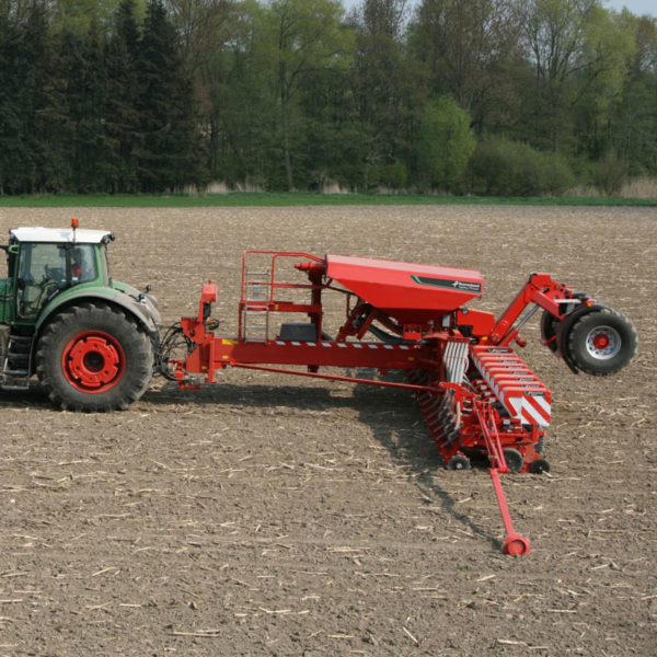 Kverneland-farm-sale-da-forgie-northern-ireland-seeding-precision-drills-optima-tfmaxi-3