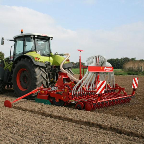 Kverneland-farm-sale-da-forgie-northern-ireland-seeding-seed-drills-df1-2
