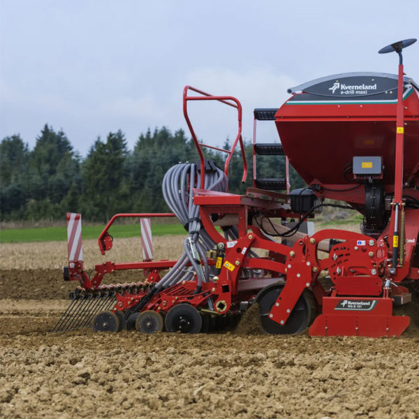 Kverneland-farm-sale-da-forgie-northern-ireland-seeding-seed-drills-e-drill-compact-maxi-1