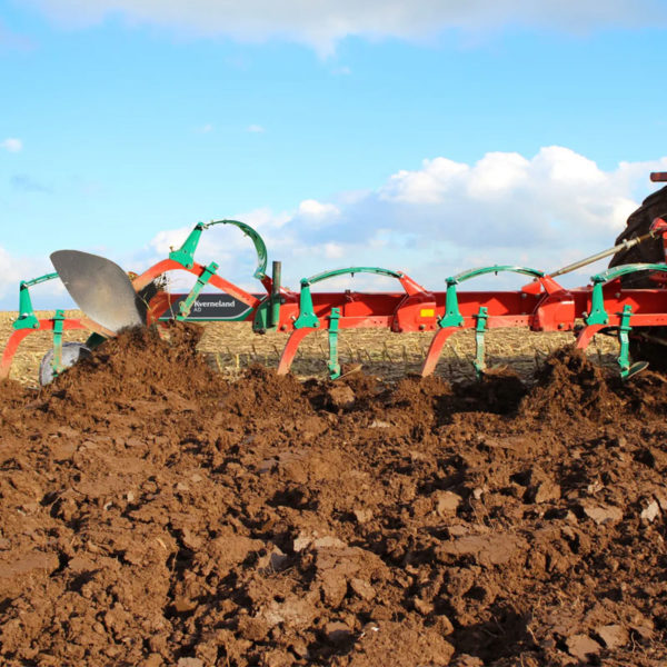 Kverneland-farm-sale-da-forgie-northern-ireland-soil-mounted-conventional-plough-ab-ad-1