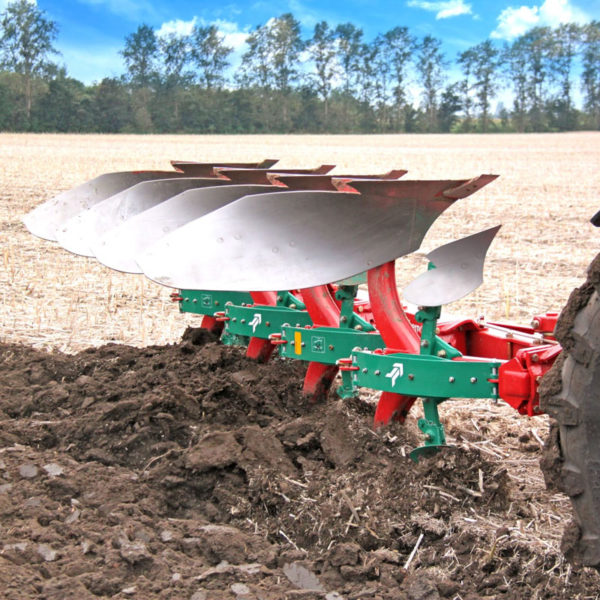 Kverneland-farm-sale-da-forgie-northern-ireland-soil-mounted-reversible-plough-150-b-variomat-2