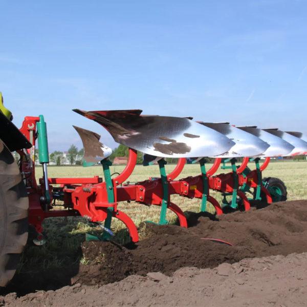Kverneland-farm-sale-da-forgie-northern-ireland-soil-mounted-reversible-plough-150-b-variomat-4