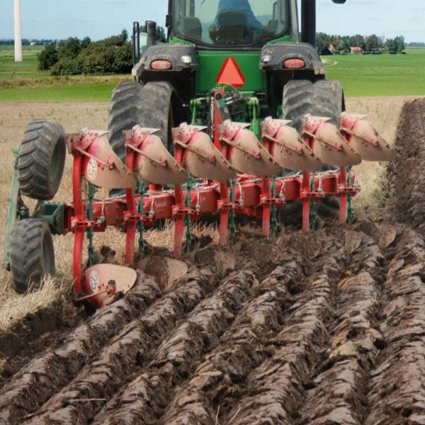 Kverneland-farm-sale-da-forgie-northern-ireland-soil-mounted-reversible-plough-eo-lo-1