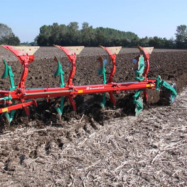 Kverneland-farm-sale-da-forgie-northern-ireland-soil-mounted-reversible-plough-es-ls-1