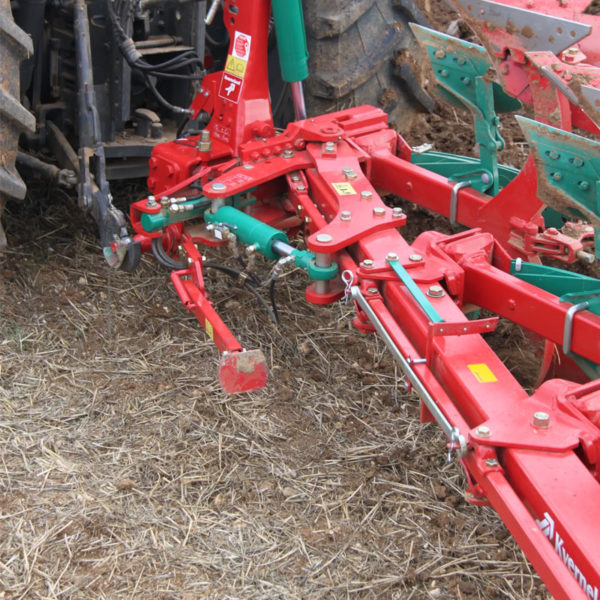 Kverneland-farm-sale-da-forgie-northern-ireland-soil-mounted-reversible-plough-es-ls-2