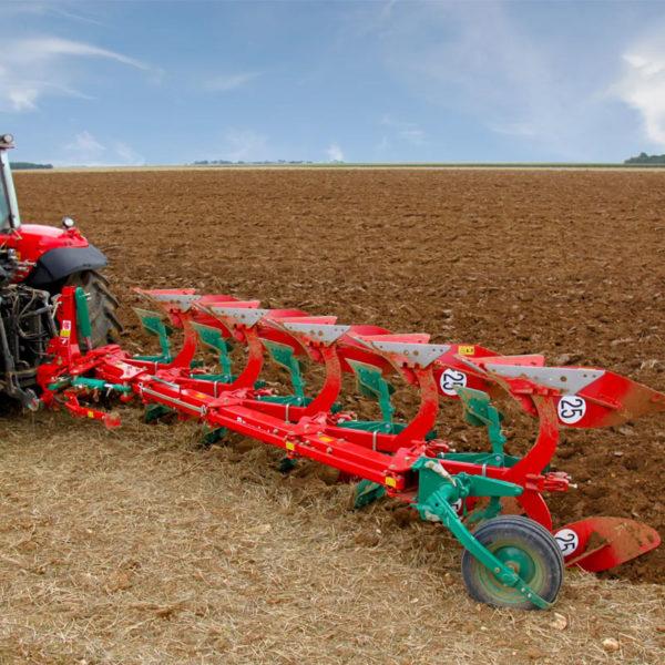 Kverneland-farm-sale-da-forgie-northern-ireland-soil-mounted-reversible-plough-es-ls-6