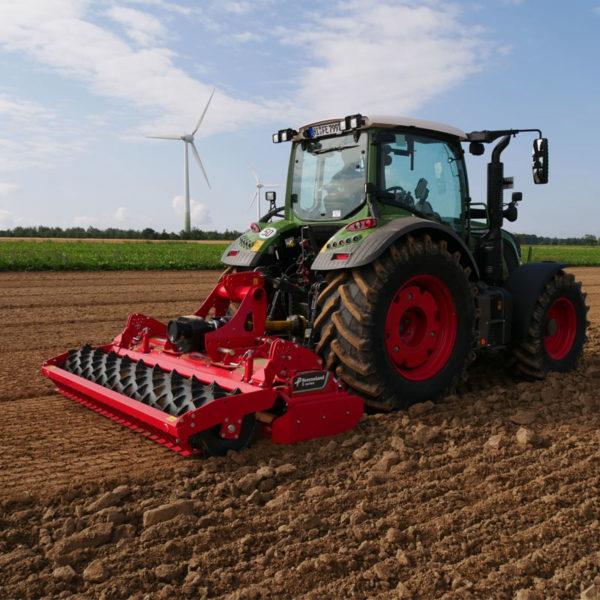 Kverneland-farm-sale-da-forgie-northern-ireland-soil-power-harrow-s-series-3