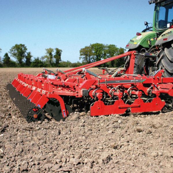 Kverneland-farm-sale-da-forgie-northern-ireland-soil-seedbed-cultivator-tlg-1