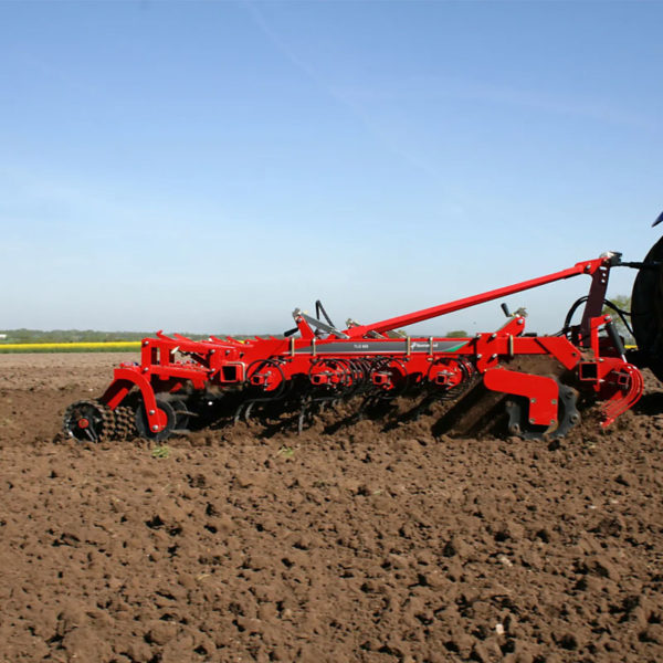 Kverneland-farm-sale-da-forgie-northern-ireland-soil-seedbed-cultivator-tlg-4