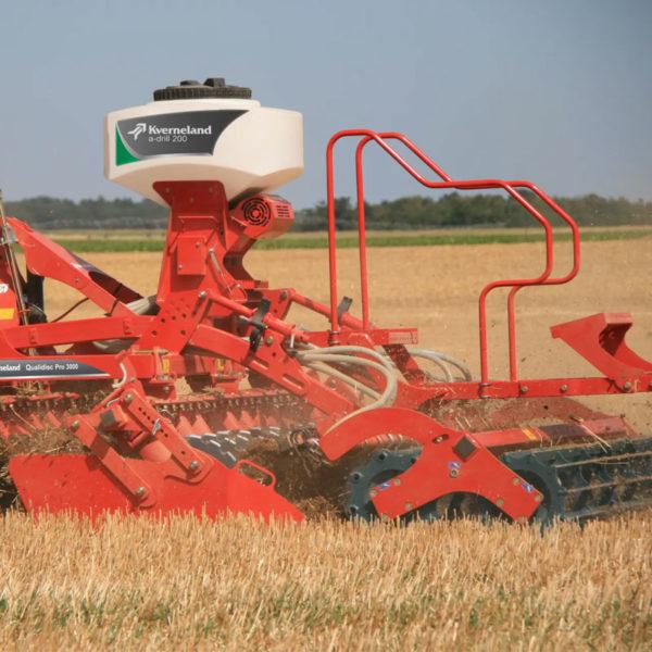 Kverneland-farm-sale-da-forgie-northern-ireland-soil-stubble-cultivators-a-drill-1