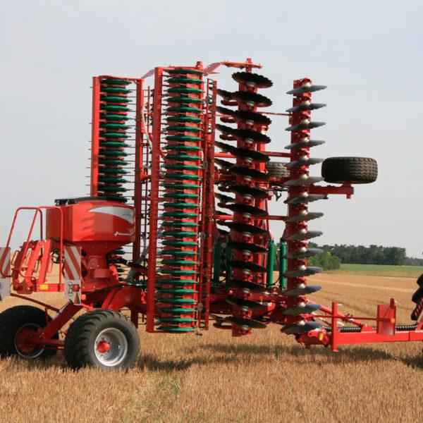 Kverneland-farm-sale-da-forgie-northern-ireland-soil-stubble-cultivators-a-drill-6