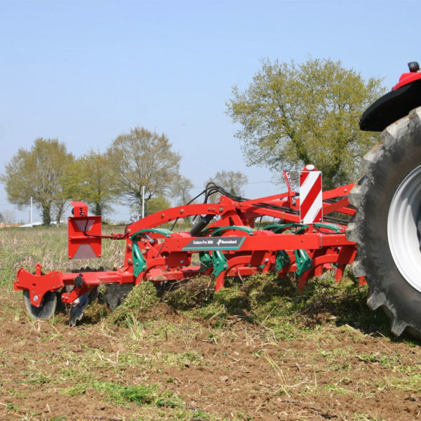 Kverneland-farm-sale-da-forgie-northern-ireland-soil-stubble-cultivators-enduro-pro-1