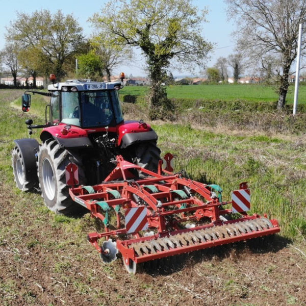 Kverneland-farm-sale-da-forgie-northern-ireland-soil-stubble-cultivators-enduro-pro-3