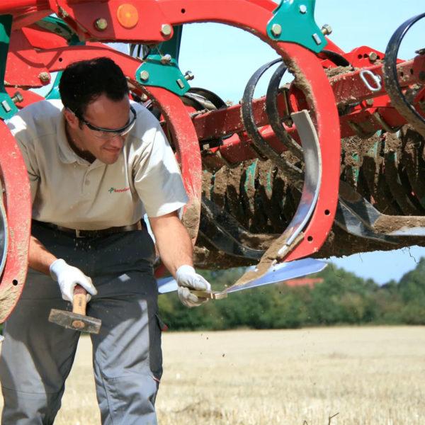 Kverneland-farm-sale-da-forgie-northern-ireland-soil-stubble-cultivators-knock-on-system-1