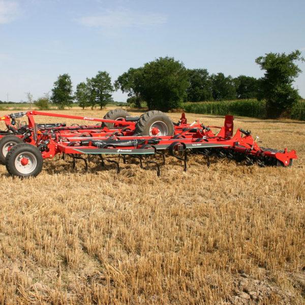 Kverneland-farm-sale-da-forgie-northern-ireland-soil-stubble-cultivators-turbo-6