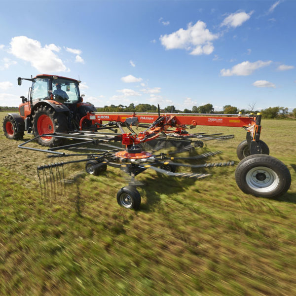 kubota-da-forgie-agriculture-implements-new-northern-ireland-forage-ra-series-14