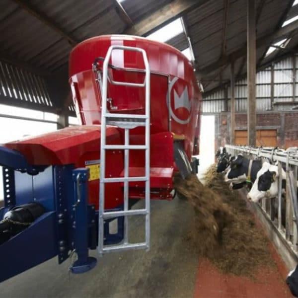 Kverneland-farm-machinery-sale-da-forgie-northern-ireland-feeding-diet-feeder-verticle-auger-4