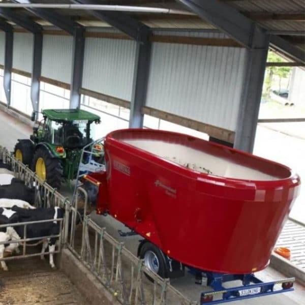 Kverneland-farm-machinery-sale-da-forgie-northern-ireland-feeding-diet-feeder-verticle-auger-5