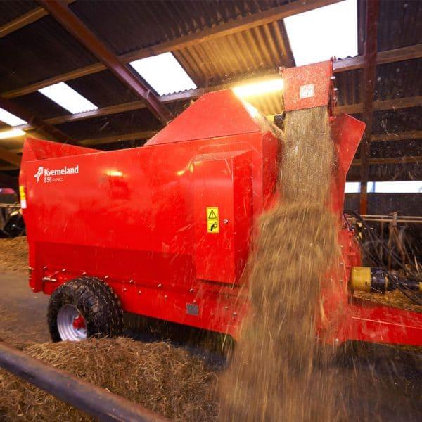 Kverneland-farm-machinery-sales-da-forgie-northern-ireland-feeding-bale-choppers-feeders-KVERNELAND-853-PRO-856-PRO-3