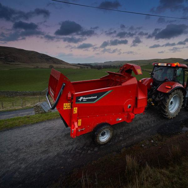 Kverneland-farm-machinery-sales-da-forgie-northern-ireland-feeding-bale-choppers-feeders-kverneland-863-864-2