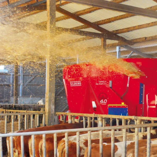 Kverneland-farm-machinery-sales-da-forgie-northern-ireland-feeding-diet-feeders-augers-1
