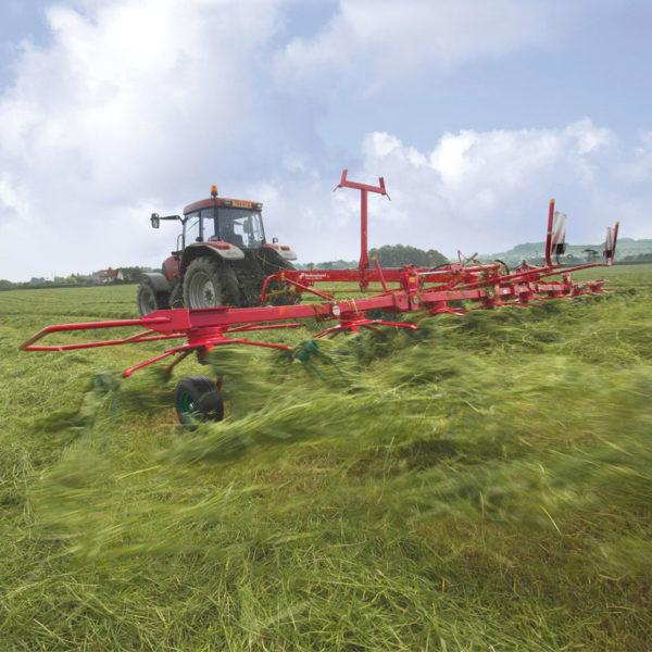 Kverneland-farm-sale-da-forgie-northern-ireland-forage-carrier-frame-tedders-85140C-TRAILED-HIGH-CAPACITY-TEDDER-4