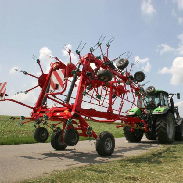 Kverneland-farm-sale-da-forgie-northern-ireland-forage-carrier-frame-tedders-85140C-TRAILED-HIGH-CAPACITY-TEDDER-5