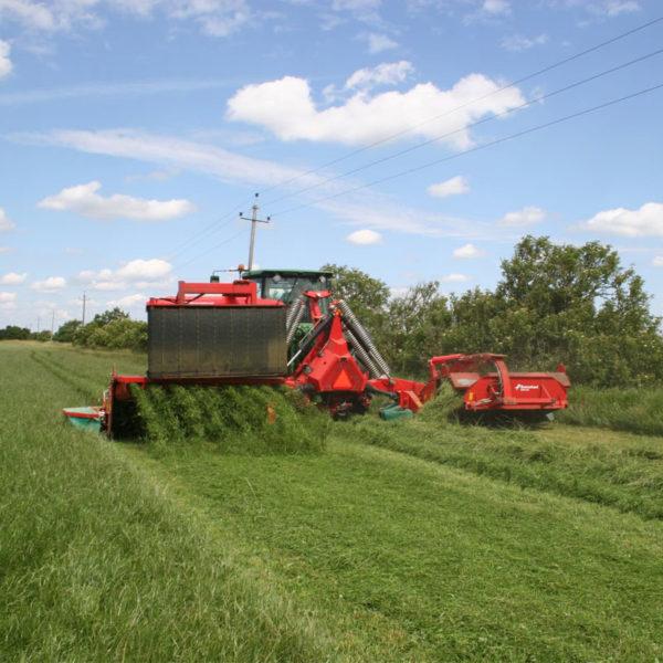 Kverneland-farm-sale-da-forgie-northern-ireland-forage-disc-mower-conditioner-rear-5090-mt-bx-5
