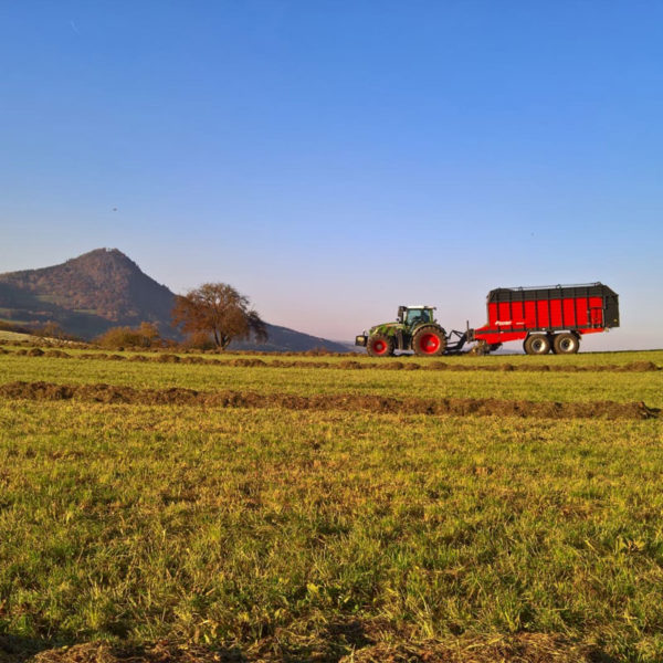 Kverneland-farm-sale-da-forgie-northern-ireland-forage-loader-silage-wagon-10040-10045-10055-r-8