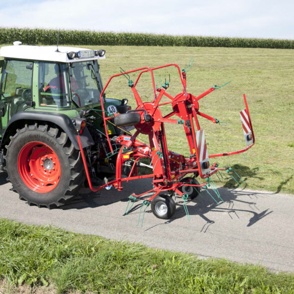 Kverneland-farm-sale-da-forgie-northern-ireland-forage-mounted-rotary-tedder-8446-8452-t-8452-5