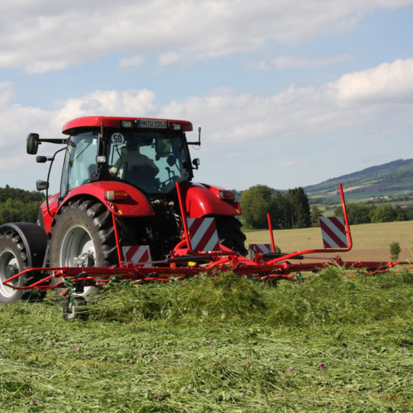Kverneland-farm-sale-da-forgie-northern-ireland-forage-mounted-rotary-tedder-8460-8480-4