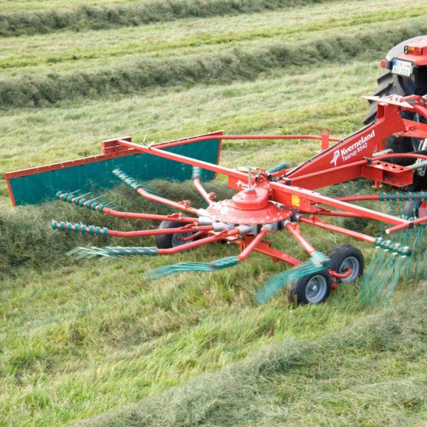 Kverneland-farm-sale-da-forgie-northern-ireland-forage-single-rotor-rake-9542-9546-3