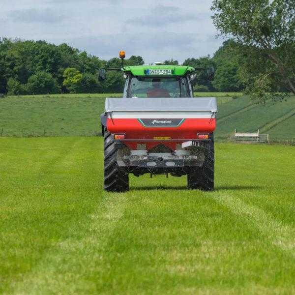 Kverneland-farm-sale-da-forgie-northern-ireland-spreading-disc-spreaders-exacta-cl-ew-2