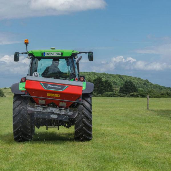 Kverneland-farm-sale-da-forgie-northern-ireland-spreading-disc-spreaders-exacta-el-1