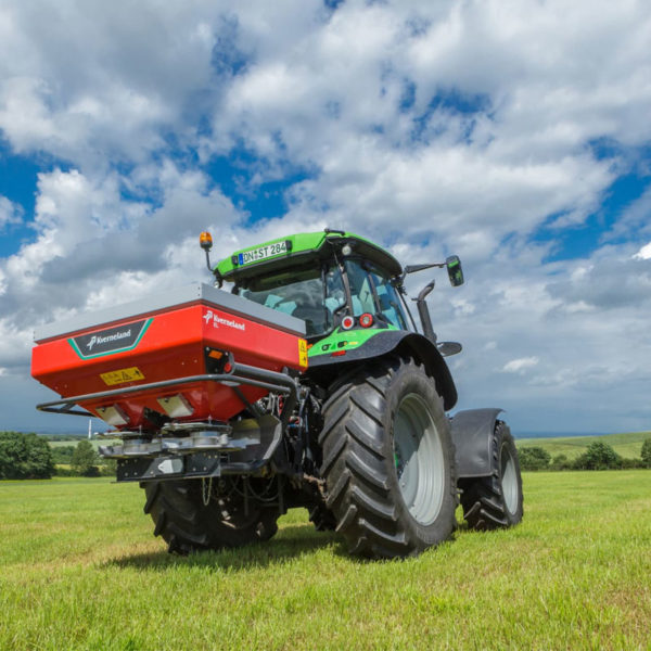 Kverneland-farm-sale-da-forgie-northern-ireland-spreading-disc-spreaders-exacta-el-3