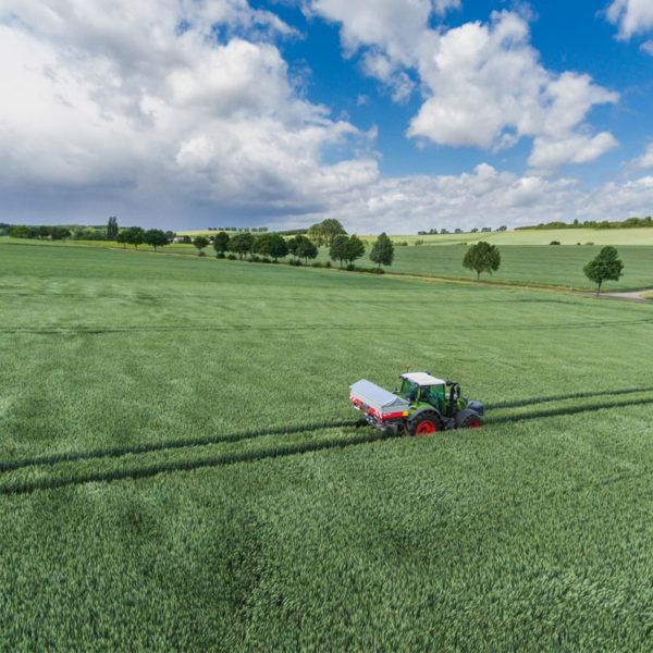 Kverneland-farm-sale-da-forgie-northern-ireland-spreading-disc-spreaders-exacta-hl-1
