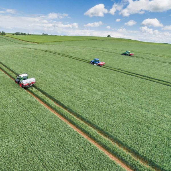 Kverneland-farm-sale-da-forgie-northern-ireland-spreading-disc-spreaders-exacta-hl-2