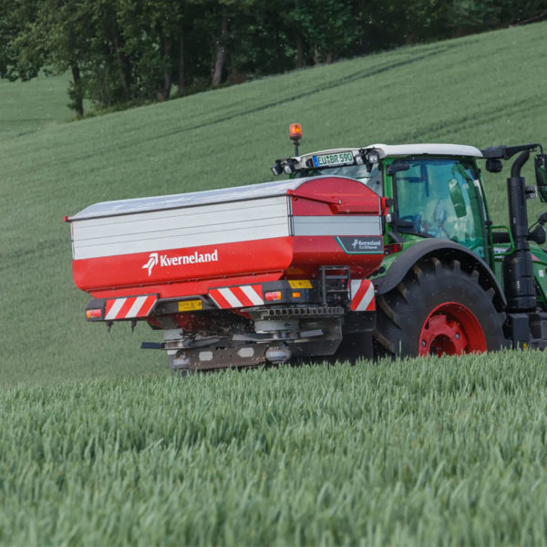 Kverneland-farm-sale-da-forgie-northern-ireland-spreading-disc-spreaders-exacta-tlx-geospread-2