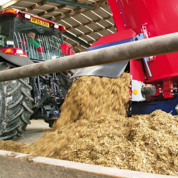 Kverneland-farm-sales-da-forgie-northern-ireland-feeding-auger-diet-feeders-classic-premium-1