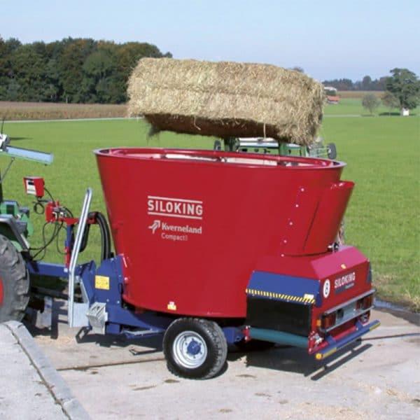 Kverneland-farm-sales-da-forgie-northern-ireland-feeding-auger-diet-feeders-trailedline-classic-compact-1